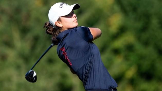 Johanna Ebner schlägt für den Golfklub St. Veit ab (Bild: GEPA pictures/ Matic Klansek)