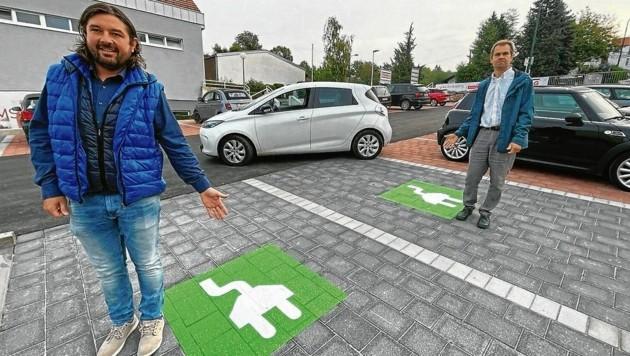 Setzen sich für mehr nachhaltige Mobilität in der Gemeinde ein: Unger (li.) und Spitzmüller (Bild: Schulter Christian)