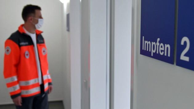 Ein Impfzentrum im bayrischen Freising (Bild: APA/AFP/CHRISTOF STACHE)