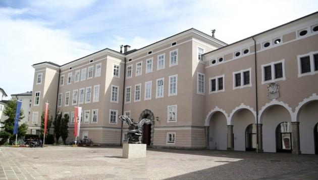 Die Landtagsparteien mit Sitz im Chiemseehof lassen sich nicht gerne in die Kassen schauen (Bild: Tröster Andreas)