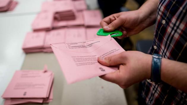 Bei der Wahl in Berlin ist es zu zahlreichen Ungereimtheiten gekommen. (Bild: dpa/Maja Hitij)