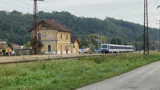 Der Bahnhof in Viehofen soll vor dem Abriss bewahrt werden (Bild: Petra Weichhart)
