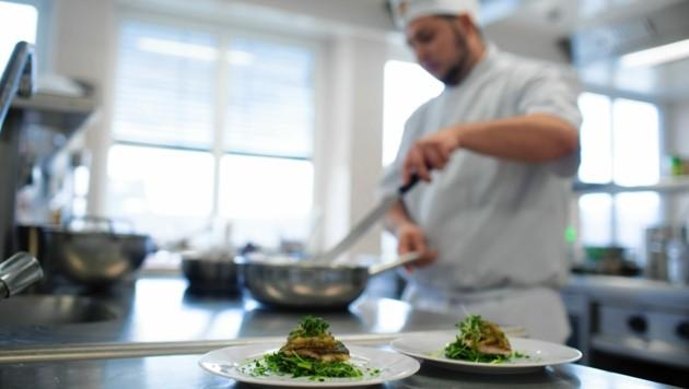 Die geteilten Dienste in der Küche und im Service sind Geschichte - trotzdem fehlt Personal. (Bild: WKK)