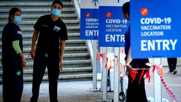 Eingangsbereich eines Impfzentrums in Brisbane (Bild: APA/AFP/Patrick HAMILTON)