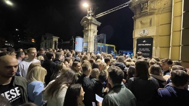 """Die Wiedereröffnung des """"Kottulinsky"""" lockte das Partyvolk in Massen an. (Bild: Christina Koppelhuber)"""