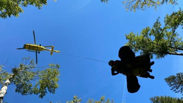 Schwierige Bergung für die Experten (Bild: Bergrettung Steiermark)