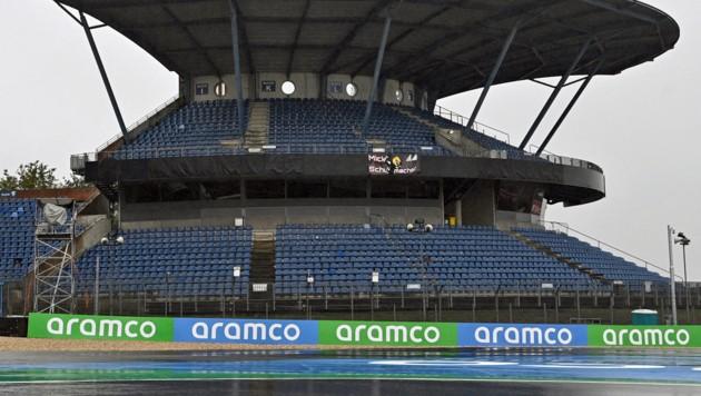 Eine Tribüne am Nürburgring (Bild: APA/AFP/POOL/INA FASSBENDER)
