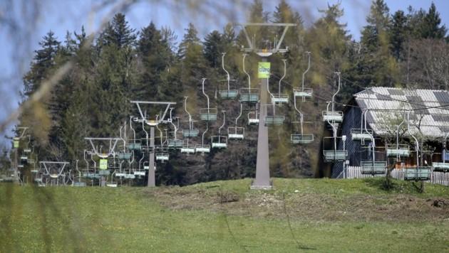 Bereits 1969 wurde der Grundstein für die Skischaukel Gaißau-Hintersee gelegt. Vieles erinnert heute noch an die Gründungsjahre – es wurde kaum investiert. (Bild: Tröster Andreas)