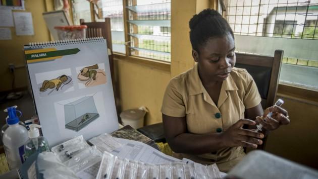 Bereits eit 2019 laufen nun Pilotversuche mit dem Impfstoff in Ghana, Kenia und Malawi. Hunderttausende Kinder wurden vor ihrem zweiten Geburtstag bis zu viermal damit geimpft. (Bild: APA/AFP)