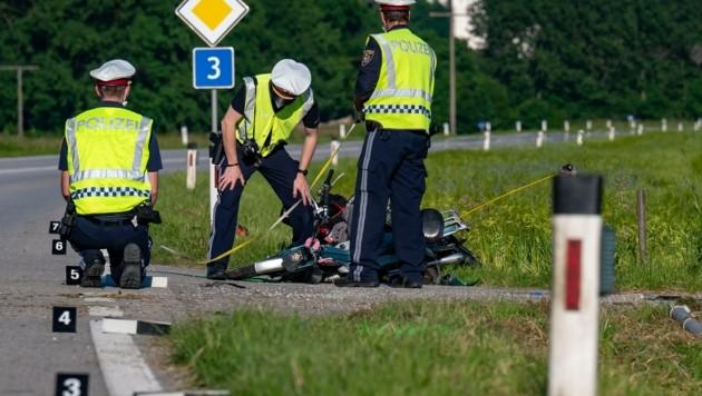 Zwei Männer (29 und 48 Jahre) verstarben bei dem Unfall (Bild: Kerschbaummayr Werner)