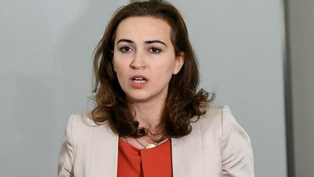 Justizministerin Alma Zadic (Grüne) verteidigt das Vorgehen der Wirtschafts- und Korruptionsstaatsanwaltschaft. (Bild: APA/HELMUT FOHRINGER)