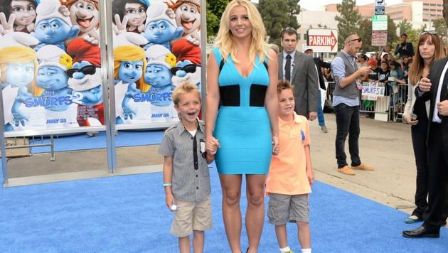 Britney Spears mit ihren Söhnen Sean Preston und Jayden James bei einer Filmpremiere im Jahr 2013 (Bild: 2013 Getty Images)