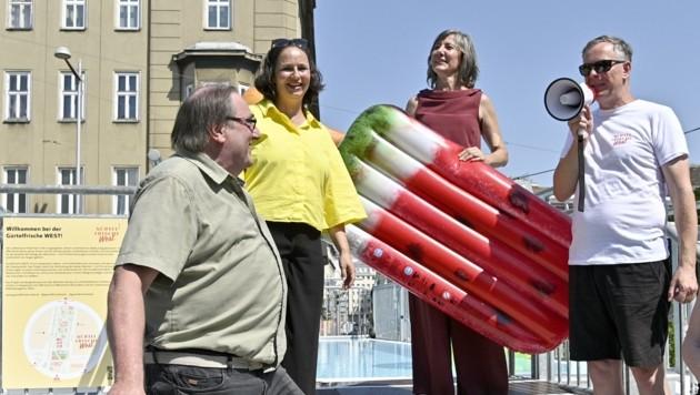 Bei Fototerminen fehlte sie nie: Vizebürgermeisterin Birgit Hebein radelte, hielt eine Baustellenabsperrung oder ein aufblasbares Eis in den Händen. Blechen durfte diese Pop-up-Aktionen der Steuerzahler. Und das nicht zu knapp. (Bild: HANS PUNZ)