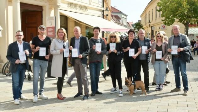 Die Badener Wirtschaft hat sich formiert und protestiert nun mit einer Unterschriftenliste offen gegen das Parkraumkonzept. (Bild: Foto Schneider)