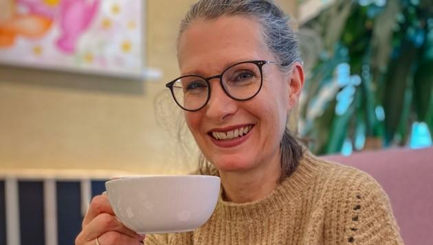 Schriftstellerin Eva Maria Gintsberg, zufrieden mit sich und der Welt, hat noch einiges im Kopf, was sie umsetzen will. (Bild: Berger Hubert)