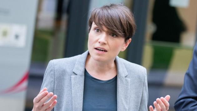 """Sie könne """"ausschließen"""", dass Kurz in dieser Legislaturperiode wieder Kanzler werde, sagte Grünen-Klubobfrau Sigrid Maurer. (Bild: APA/GEORG HOCHMUTH)"""