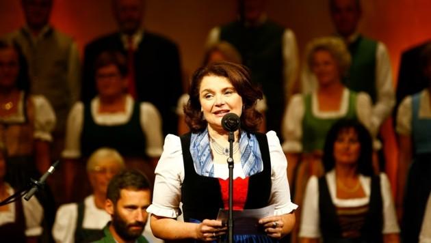 Moderatorin Caroline Koller führte durch den Abend. Auch für sie war der Jubiläumsabend besonders. (Bild: Gerhard Schiel)