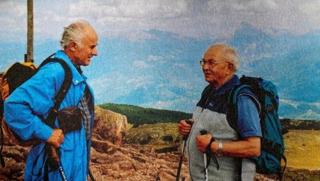 Oft waren Paul Ladurner (li.) und Reinhold Stecher auf den Bergen gemeinsam unterwegs. Dabei entstanden zahlreiche schöne Gedichte. (Bild: repro LIEBL Daniel   zeitungsfoto.at)