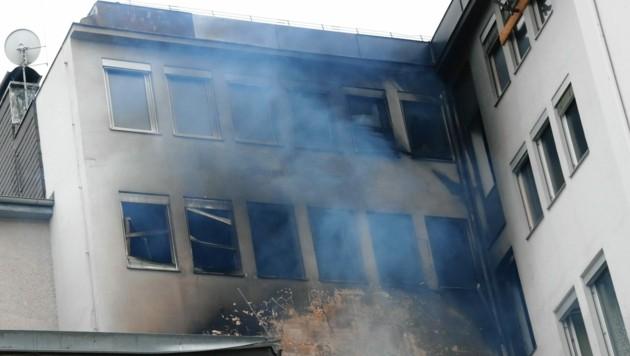 Montagfrüh brannte es in der Neutorgasse. (Bild: Christian Jauschowetz)