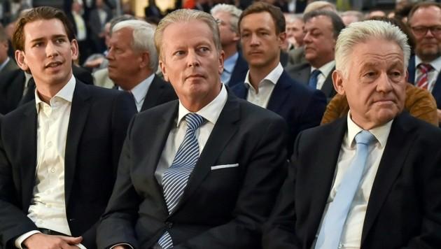 LH a. D. Josef Pühringer (re.) bei der Landtagswahl 2015 mit dem damaligen Vizekanzler Reinhold Mitterlehner (Mitte) und dem damaligen Außenminister Sebastian Kurz. (Bild: HARALD DOSTAL)