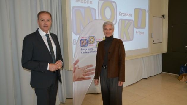 Landesrat Leo Schneemann und MOKI-Leiterin Doris Zoder-Spalek: Land und Verein sind seit Jahren Partner. (Bild: Charlotte Titz)