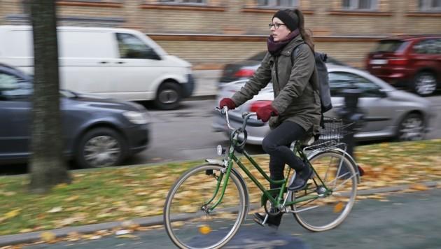 Viele Alltagswege in NÖ können nahezu zu jeder Jahreszeit per Fahrrad bewältigt werden. (Bild: Martin A. Jöchl)