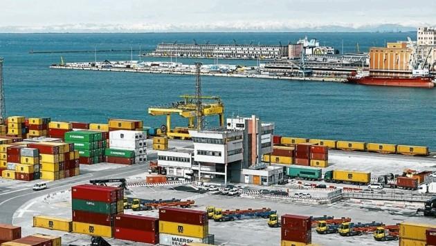 Der Hafen von Triest ist ein wichtiger Umschlagplatz. (Bild: David Payr)