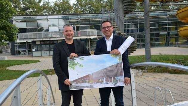 Vize Dominic Hörlezeder (li.) und Haberhauer mit den Plänen. (Bild: Stadtgemeinde Amstetten)