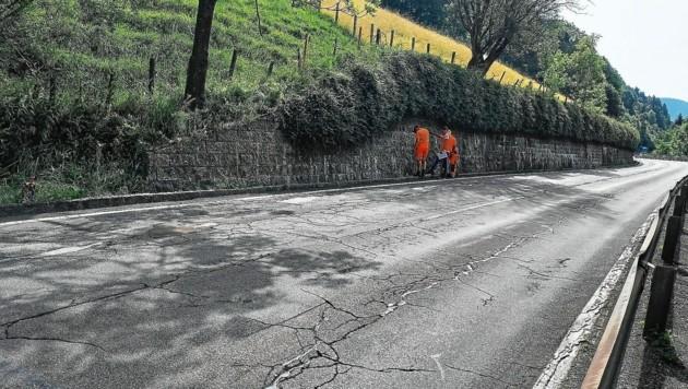 Risse und Schäden am Radentheiner Anstieg werden saniert. (Bild: Land Kärnten/Abt. 9)