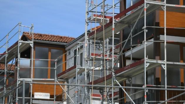 In Wien wird weit mehr gebaut, als es für den Zuzug brauchen würde. Es gibt immer mehr Wohnungen. Dennoch steigen die Mieten rasant an. (Bild: Wolfgang Spitzbart)