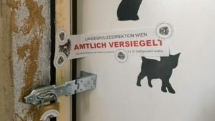 Die Leiche wurde in einer Wohnung eines Gemeindebaus in Wien-Penzing gefunden. (Bild: Oliver Papacek)