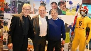 45 Jahre nach seinem fulminanten Olympiasieg trafen sich Klammer, Russi (links) und Plank (rechts) erneut bei der Filmpremiere. (Bild: Hronek Eveline)