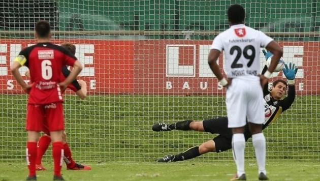 2016 hatte Anif mit Altach einen Bundesligisten zu Gast, verlor 0:1 und verschoss Elfer (Bild).