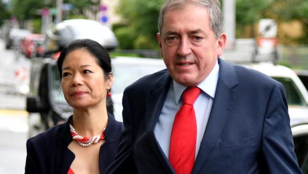 Heinz Schaden mit seiner Frau Jianzhen (Bild: APA/BARBARA GINDL)