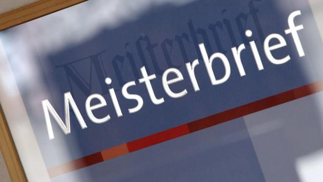 Laut einer aktuellen Studie sucht fast jedes fünfte Unternehmen in Österreich einen Nachfolger. (Bild: APA/dpa/Karl-Josef Hildenbrand)