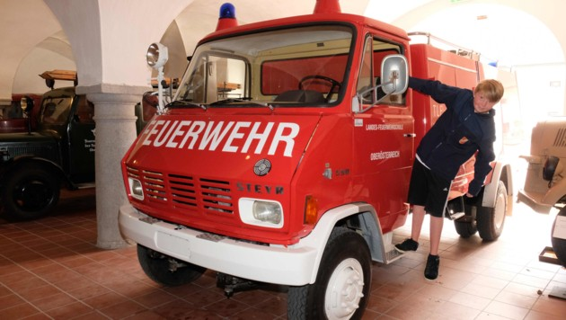 9) Feuerwehr-Oldtimer gibt es beim Linzer Schloss zu sehen. (Bild: Horst Einöder)