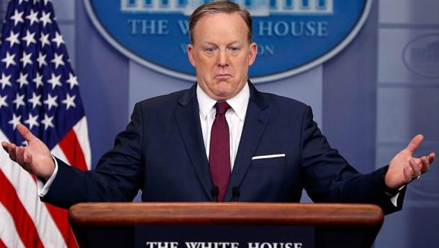 Sean Spicer hatte als Pressesprecher Trumps von Anfang an keine leichte Aufgabe. (Bild: AP)