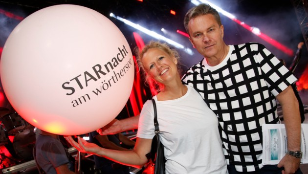 Auch das Moderatoren-Duo Barbara Schöneberger und Alfons Haider ist wieder dabei. (Bild: Uta Rojsek-Wiedergut)