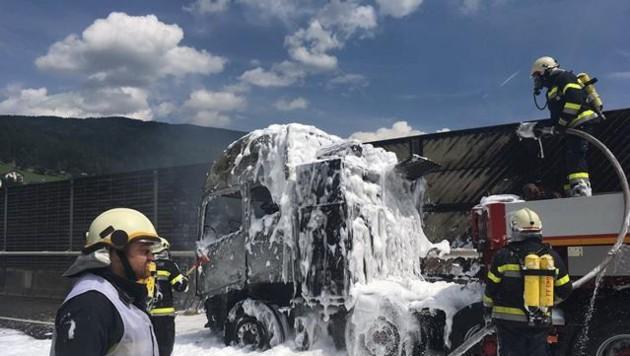 Die Feuerwehren Gmünd, Rennweg und St. Peter/Oberdorf konnten den Brand rasch löschen. (Bild: FF Rennweg)