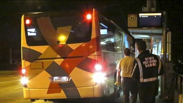 Polizei und Feuerwehr sicherten den Tatort in der Herrnau. (Bild: Markus Tschepp)
