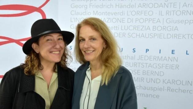 Regisseurin Athina Rachel Tsangari und Schauspiel-Direktorin Bettina Hering. (Bild: Anne Zeuner)