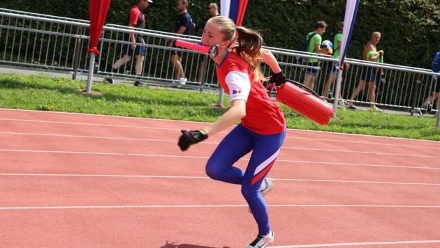 Viel Geschick erfordert der Staffellauf von den Sportwettkämpfern (Bild: Evelyn Hronek)