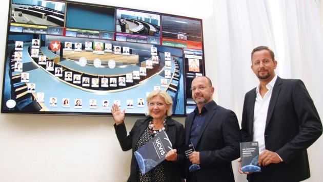 Bürgermeisterin Maria-Luise Mathiaschitz mit Daniel Brandstätter und Helmar Lipautz von Uppercut (Bild: Stadtpresse)