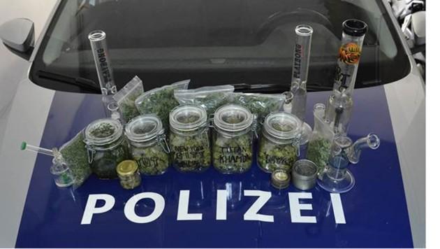 Das Cannabis war in Säckchen und Gläser abgepackt (Symbolbild) (Bild: LPD Kärnten)
