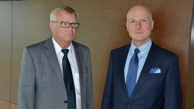 Der Zeltweger Altbürgermeister Kurt Haller (links) mit Verteidiger Dieter Neger (Bild: Heinz Weeber)