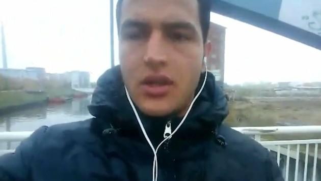 In einem Selfie-Video schwörte der Berlin-Attentäter der Terrormiliz IS seine Treue. (Bild: YouTube.com)