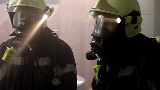 Vor allem der Rauch machte den Einsatzkräften zu schaffen. (Bild: Sepp Pail)