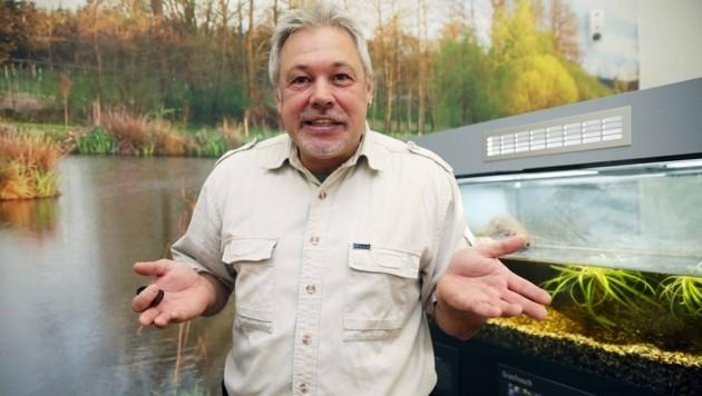 Reptilienexperte Werner Stangl (Bild: Jürgen Radspieler)