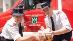 Kommandant Johannes Winkler und sein Stellvertreter Martin Lexer freuen sich auf das Maibaumfest. (Bild: FF Maria Luggau)