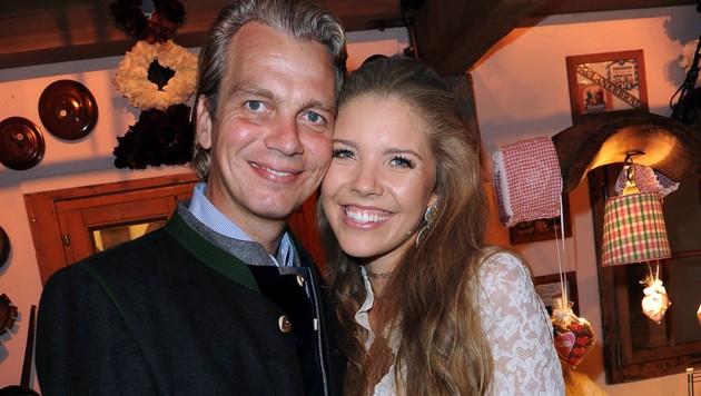 Schwer verliebt: Victoria Swarovski mit Werner Mürz (Bild: babiradpicture/Christian Stiefler)
